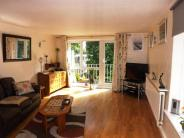 2 bedroom Flat in Greenhill, High Road...