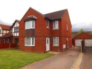 4 bed Detached home for sale in Friern Gardens, Wickford...