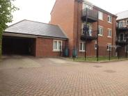 2 bedroom Flat in Windsor Close, Witham...