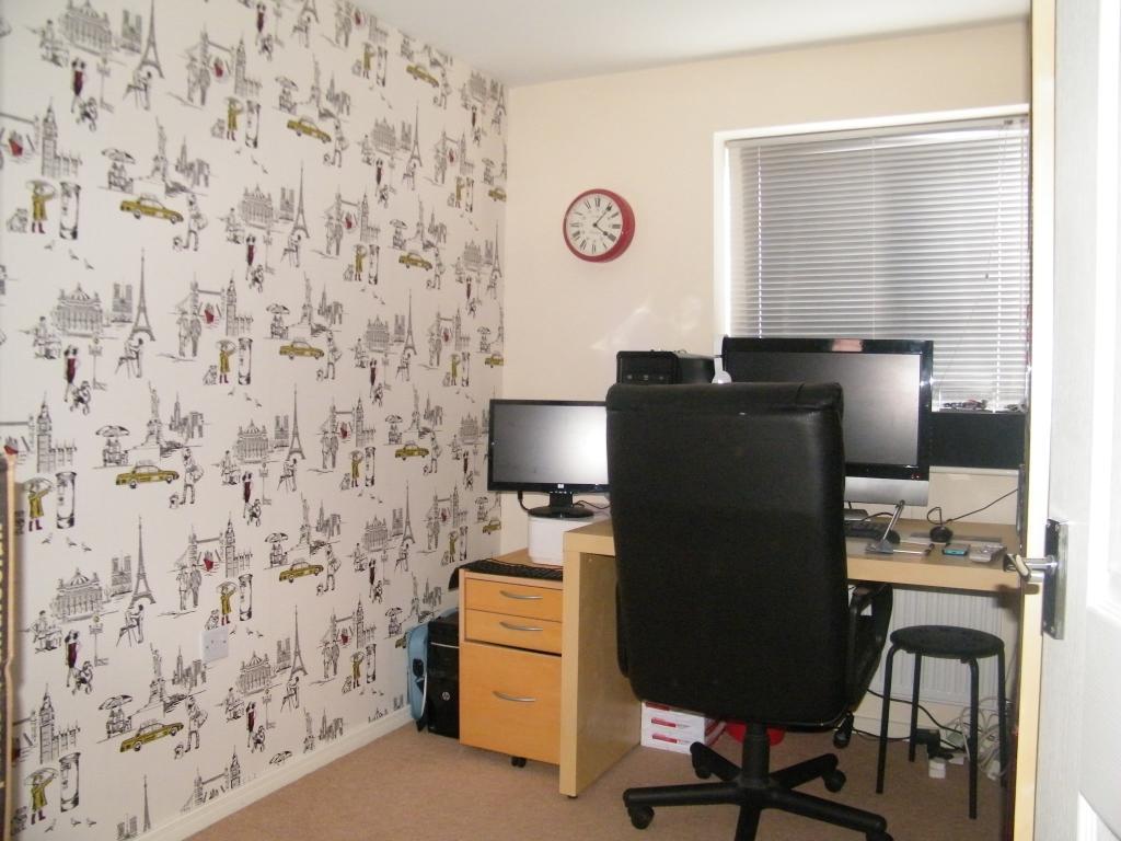 Bedroom 4 / study