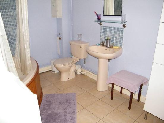 Anex Bathroom