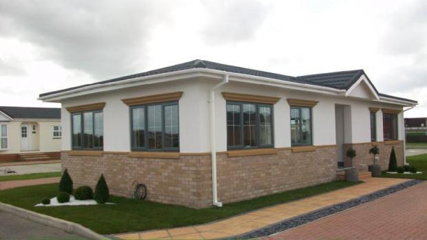 2 bedroom mobile home for sale in kings park canvey island essex ss8
