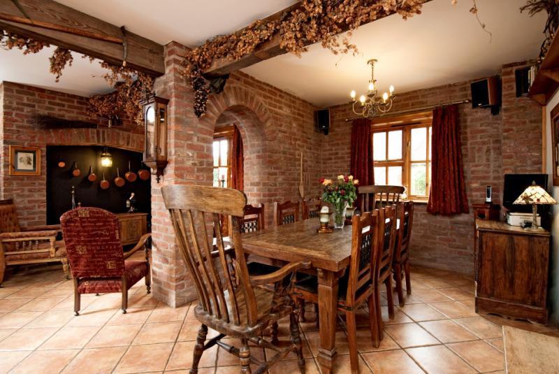 Din/Area Kitchen