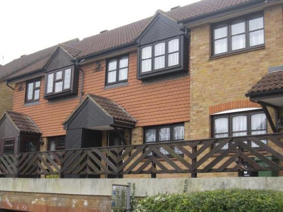 2 Bedroom House For Sale In St Annes Court Maidstone Kent ME16