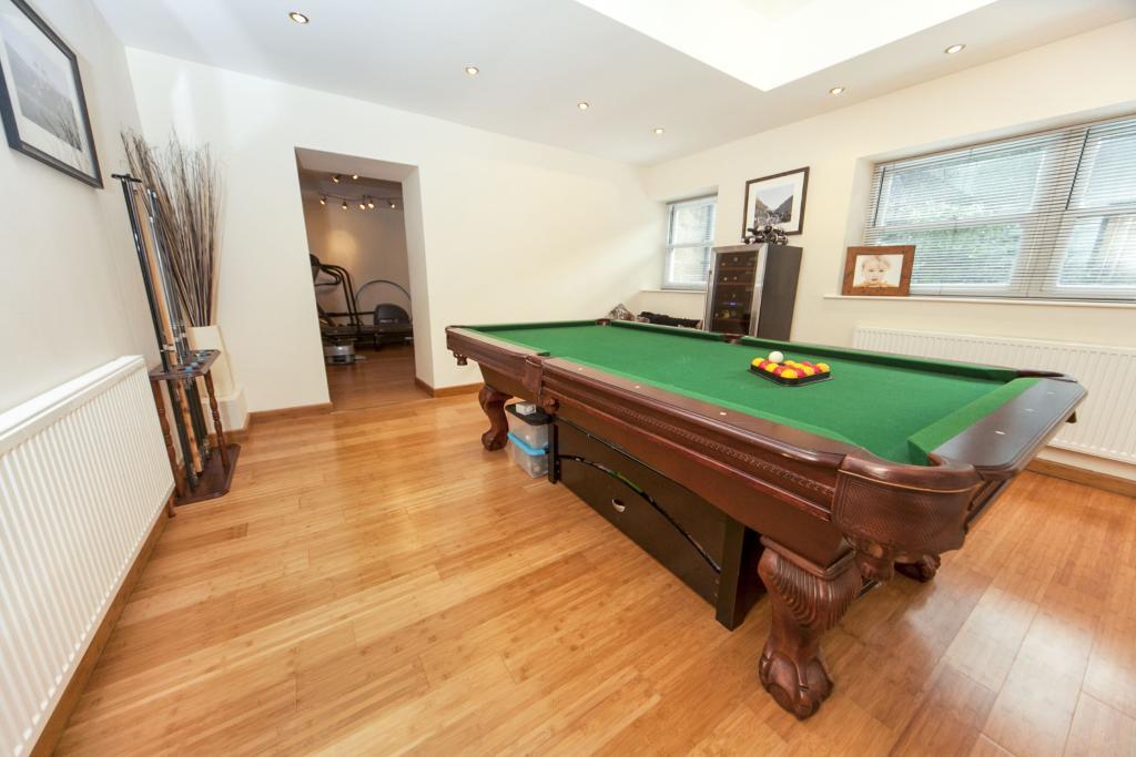 Pool/Games Room