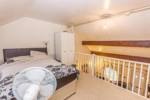 Gallerystyle Bedroom