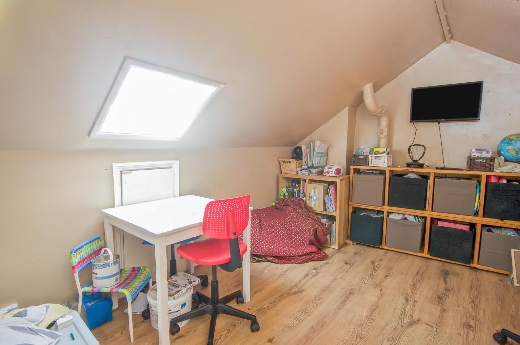 Bedroom 3 / Loft Roo