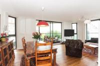 3 bedroom Flat for sale in Kensington West...