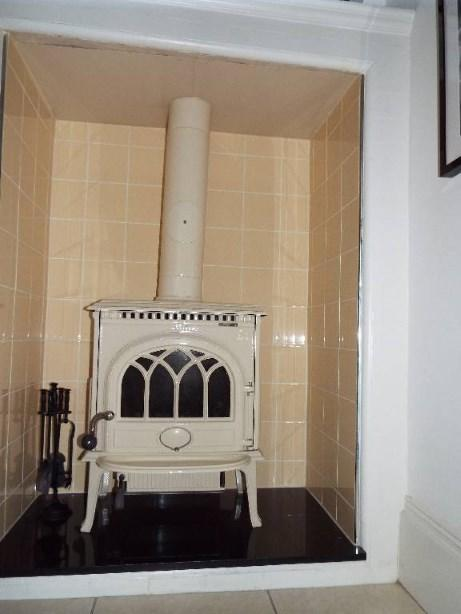 Dining room fireplac