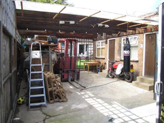 Yard/Carport