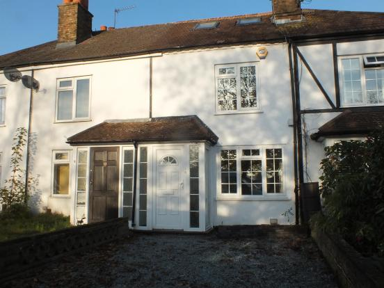 bedroom terraced house for sale in park road hayes ub4 8jl ub4