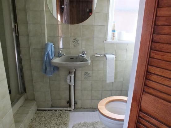 Annex Shower-Room
