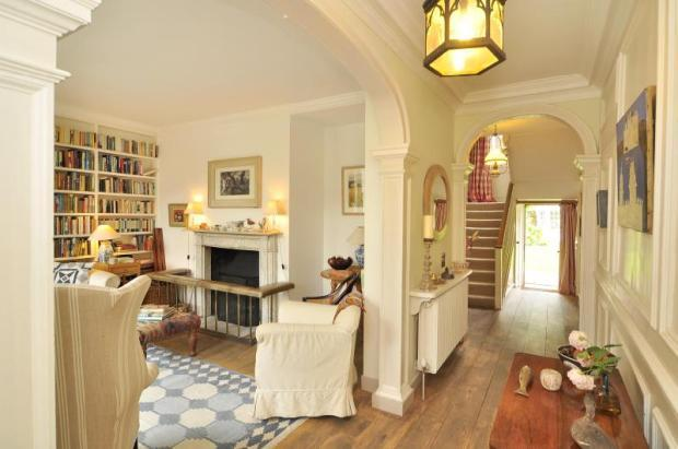 7 Bedroom Detached House For Sale In Upper Butts London