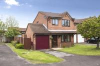 3 bed Detached property in Empress Way, Darlaston...