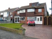 4 bedroom semi detached house in Balmoral Drive...