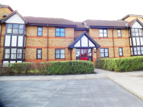 2 Bedroom Flat For Sale In Redwood Grove Bedford Bedfordshire Mk42 Mk42