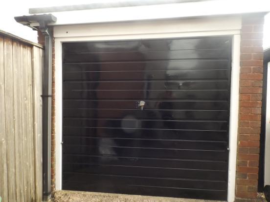 Garage 19'6 x 8'3
