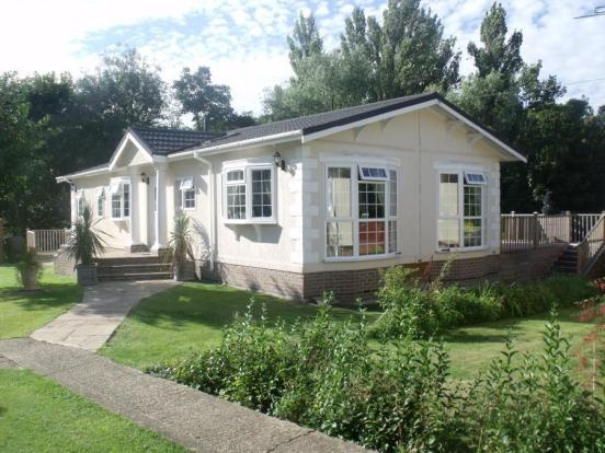 3 bedroom mobile home for sale in bushey hall park bushey hall drive bushey hertfordshire wd23 - Second hand mobile homes freedom in motion ...