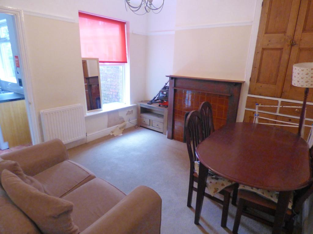 3 bedroom terraced house for sale in hilltop boughton for Dining room northampton