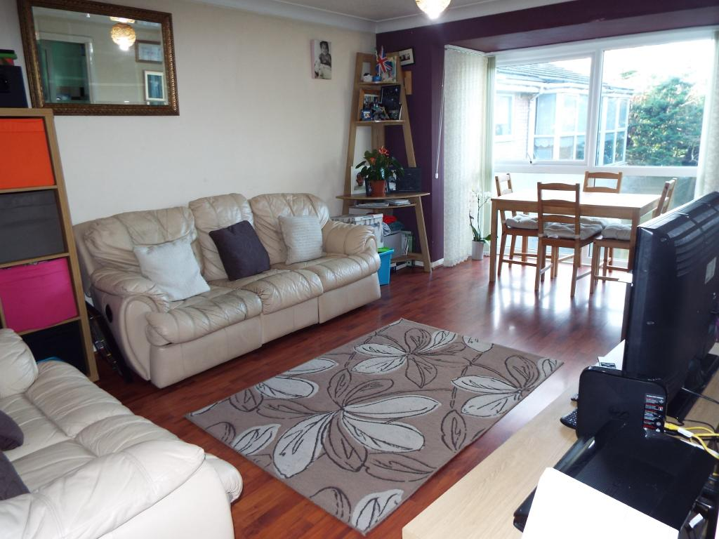 2 bedroom flat for sale in woburn court vincent road for 17 x 11 living room