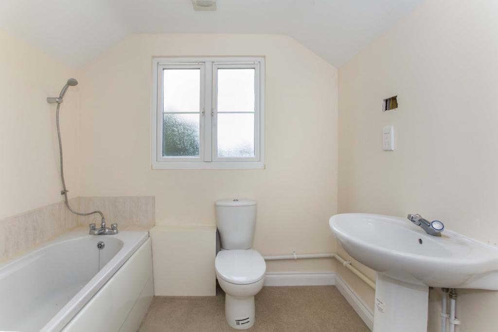 Bathroom (First Floo