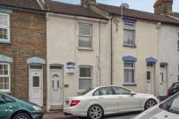 3 bedroom Terraced house for sale in Castle Road, Chatham...