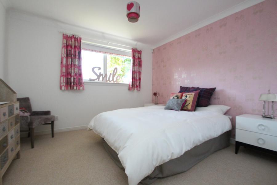 Bedroom/ Family Room