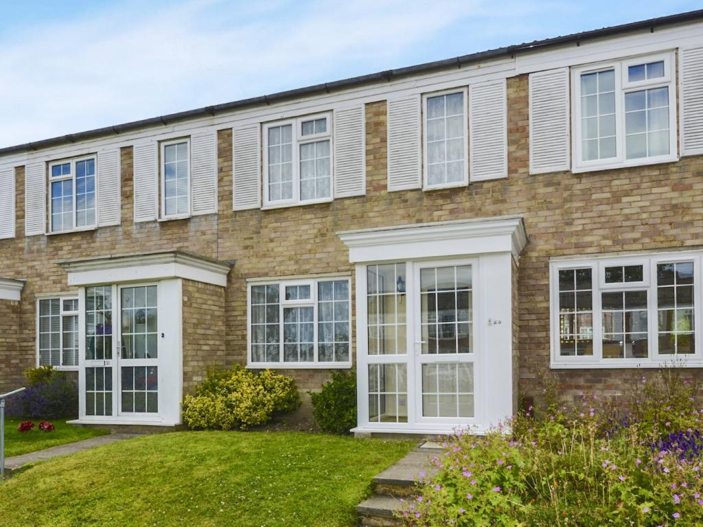 3 Bedroom House For Sale In Goodwood Road Redhill Surrey Redhill Rh1