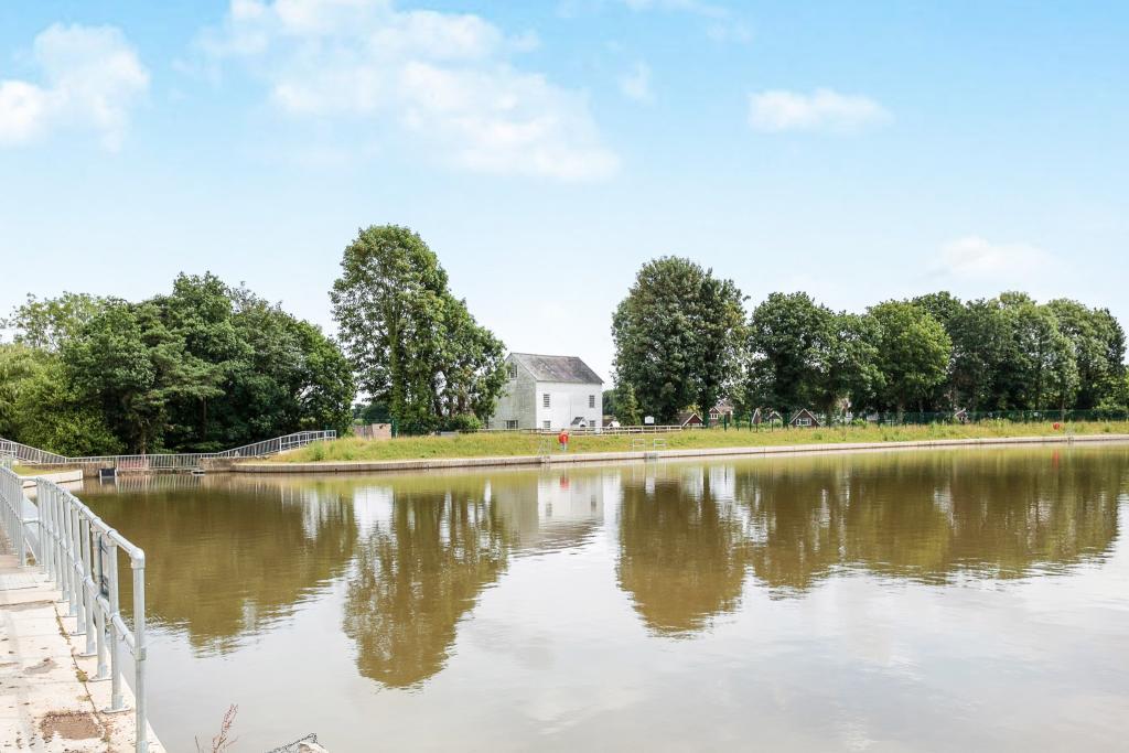 Ifield Mill Pond