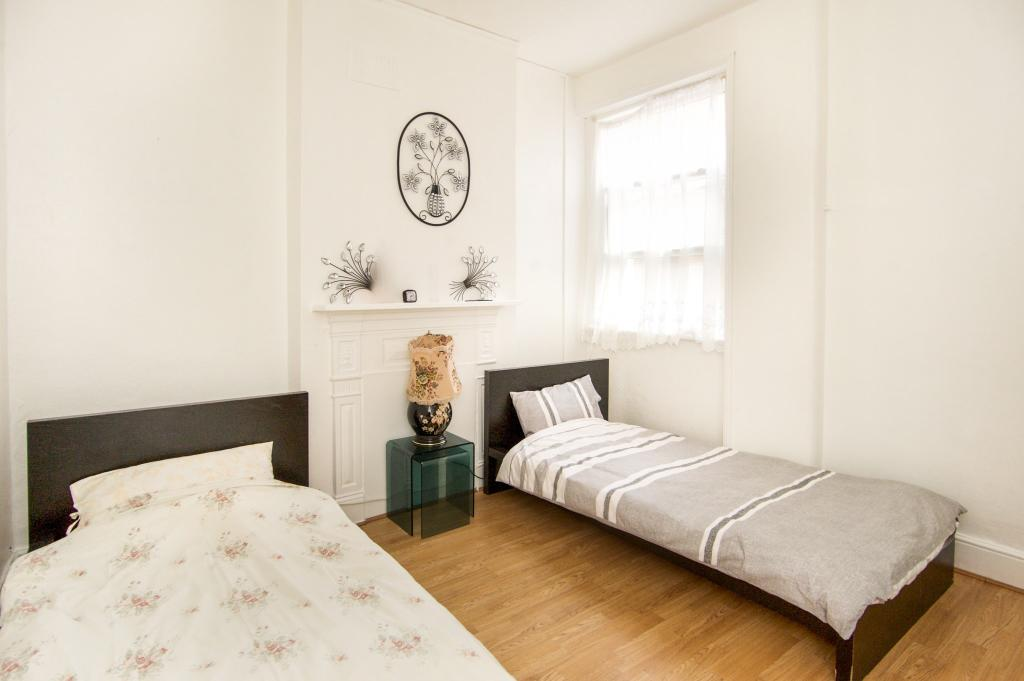 2 Bedroom Flat For Sale In Church Road Harlesden London Nw10 Nw10