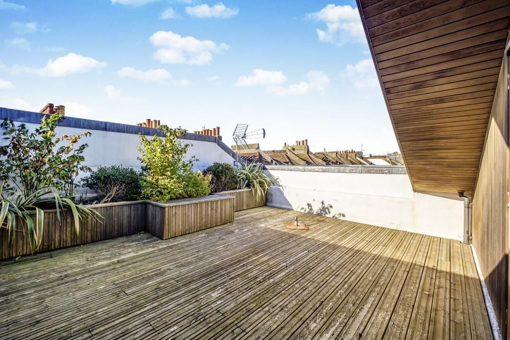 South facing roof te
