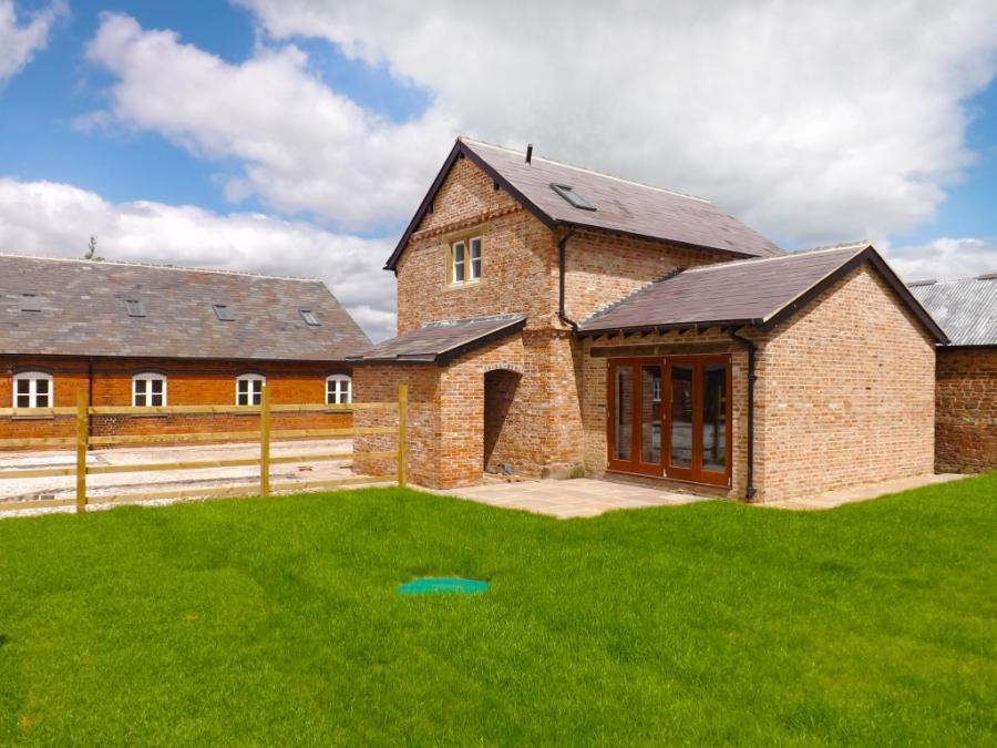 2 Bedroom Barn Conversion For Sale In Cornish Hall Barns