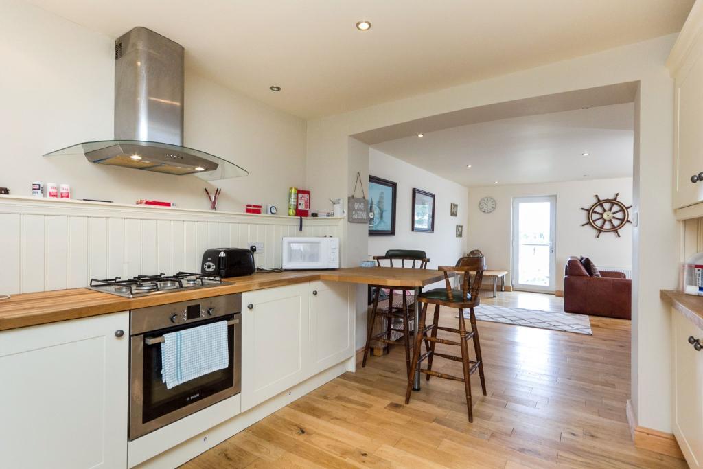 Kitchen Through Loun