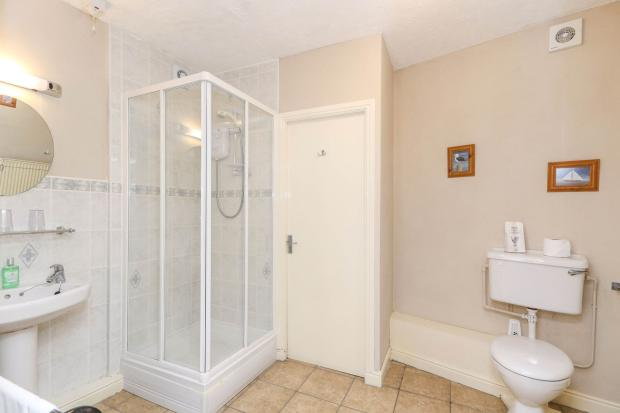 En-Suite Room 8