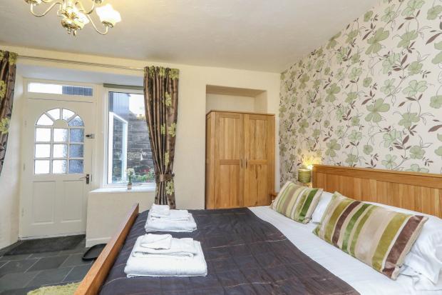 Guest Bedroom 9