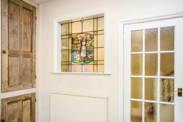 Feature Stained Glas