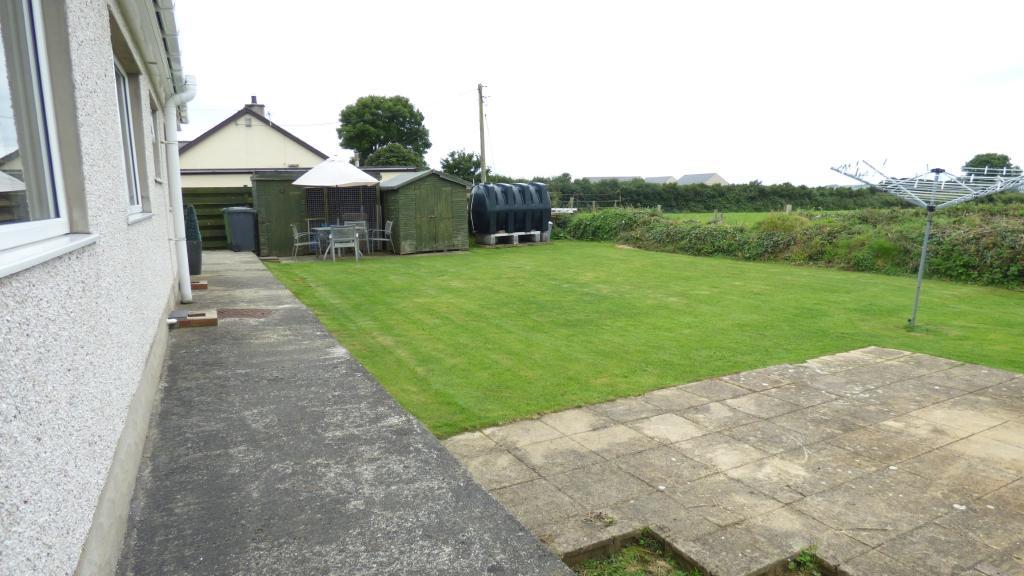 rear garden / patio