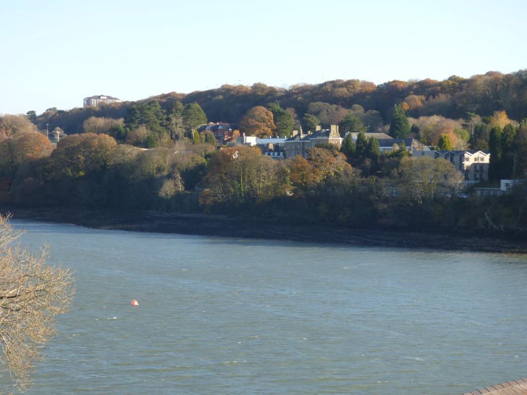 Strait View