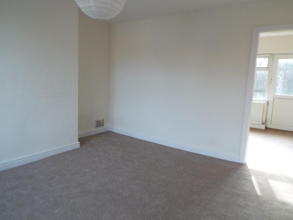 bedroom terraced house for sale in dreflan mold flintshire ch7