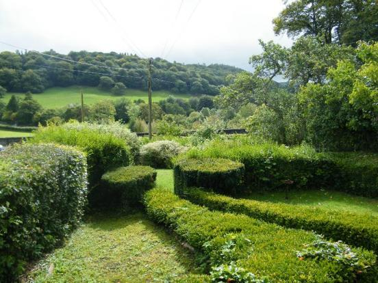 Front Garden/Views