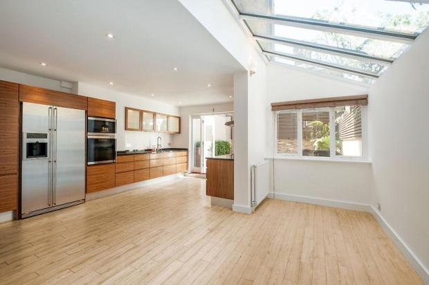 5 bedroom terraced house for sale in beechmore road for Terrace kitchen extension