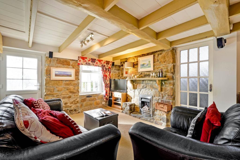 Living Room/ Dining