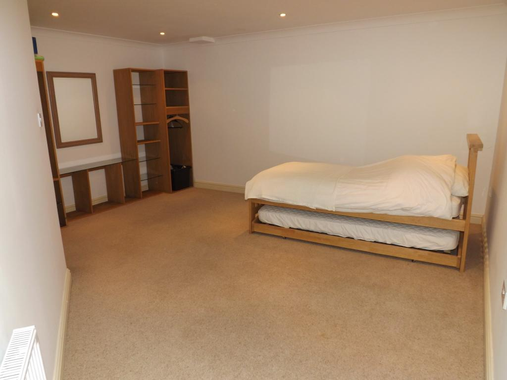 Bedroom (irregular s