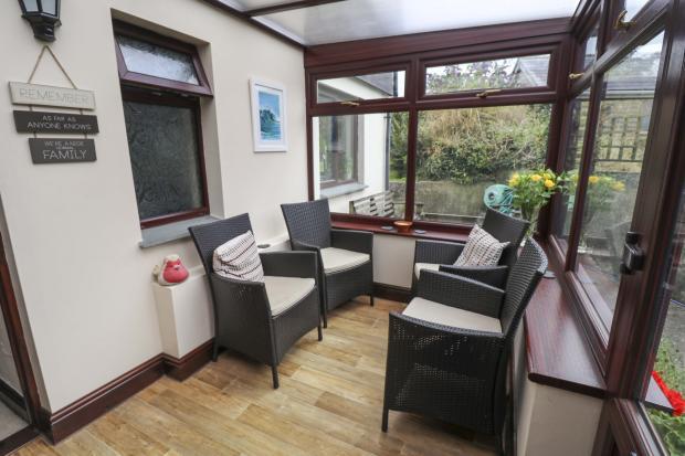 Porch / Sun Room