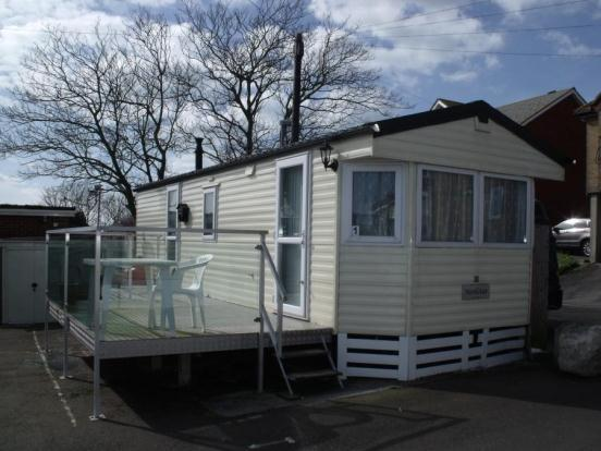2 bedroom mobile home for sale in castle cove caravans 33 for Castle modular homes