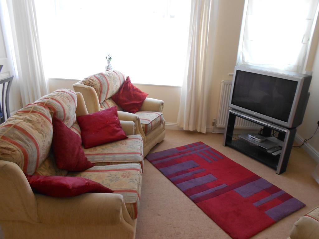Flat 1, Lounge