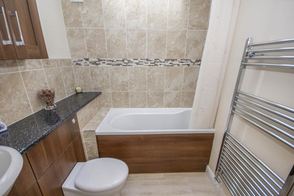 Bathroom - Holiday L
