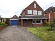3 bedroom Detached property in Elmgrove Road East...