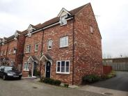 3 bedroom End of Terrace property in The Warren, Tuffley...