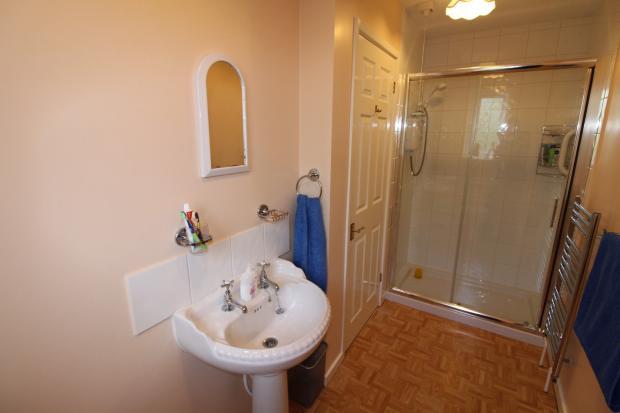 Granny Shower Room